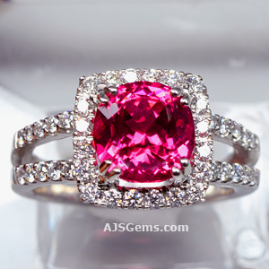 3.10 ct Mahenge Spinel Ring