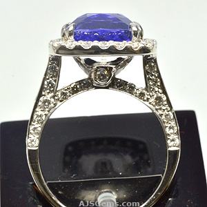 5.05 ct Tanzanite and Diamond Ring, side view
