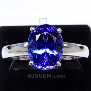 3.51 ct Tanzanite in 18k White Gold
