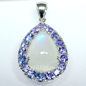 6.13 ct Moonstone Pendant in 18k White Gold